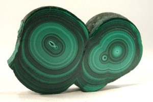 Malachite stimulates dreams.
